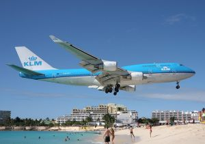 beach_airplane_300